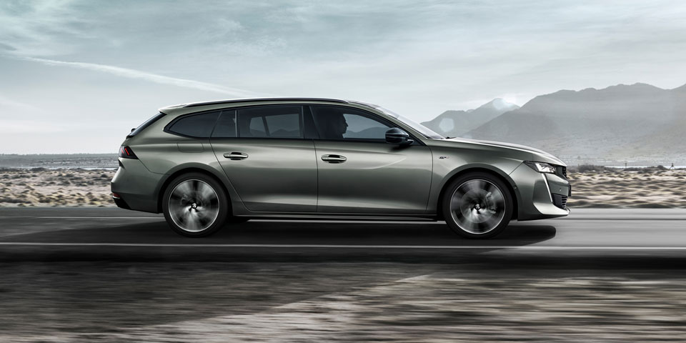 Peugeot_508-SW_2018-off2.jpg