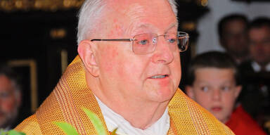 Pfarrer rettet Frau vor Prügler
