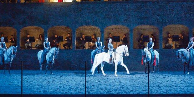 Pferdeballett zum Start der Mozartwoche