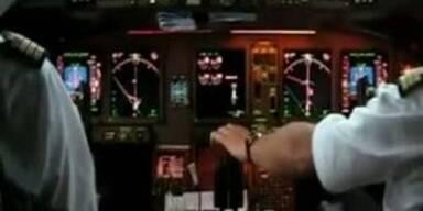 Pilot flucht bei offenem Mikrofon
