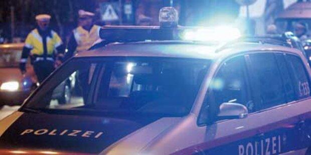 Alkolenker fuhr 9 Autos zu Schrott