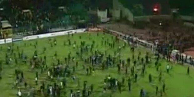 Der Platzsturm im Stadion von Kairo