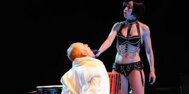 """Wiener Festwochen - """"Playing Cards"""": Theaterzauberer Lepage im Casino"""