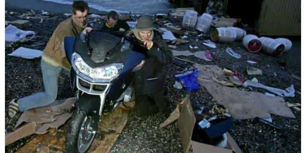 Polizei sperrt Strand nach Plünderungen