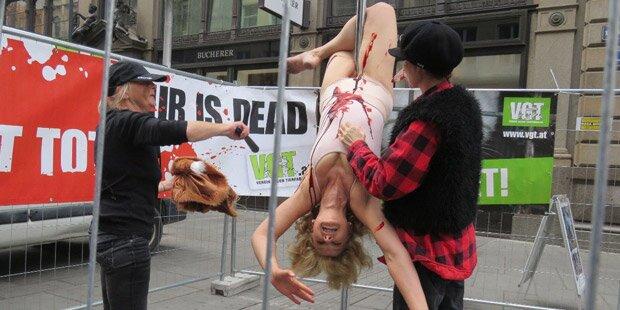 Gegen Pelz: Poledance für den Tierschutz
