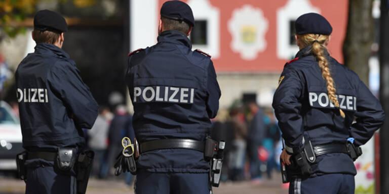 Riesen-Polizeiaufgebot bei Kneissl-Hochzeit
