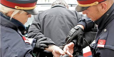 PolizeiGrazNiL023_much