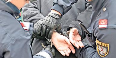 Schulschwänzer attackierte Polizistin