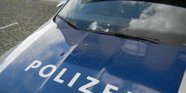 30-Jähriger attackiert Polizei mit Steinen