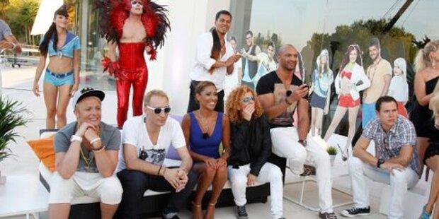 Popstars lassen bei Pool-Party  Sau raus