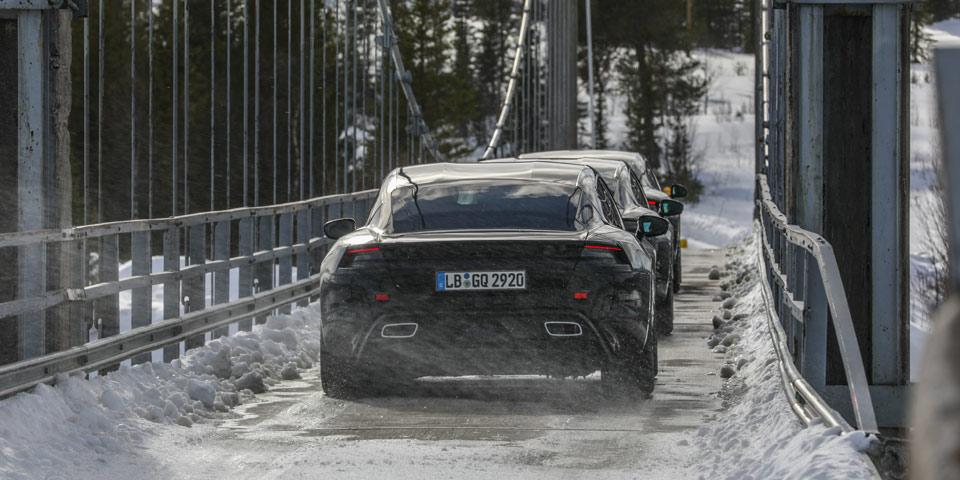 Porsche_Taycan_erli-off1.jpg