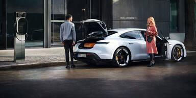 Porsches Gratis-Ladenetz wächst rasant