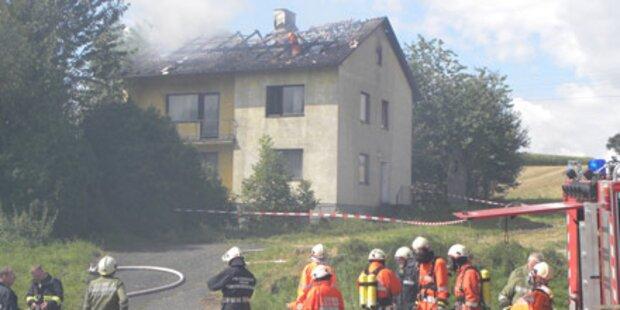 Pensionist aus brennenden Haus gerettet