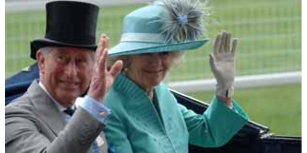Charles baute Rolls Royce für Camillas Hüte um