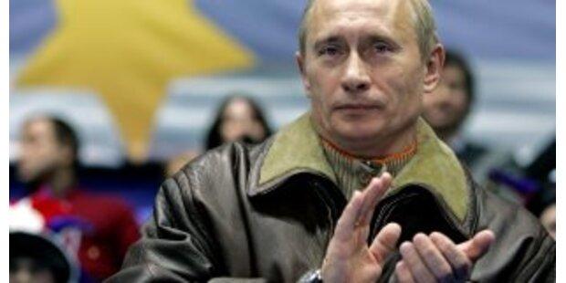 Putin akzeptiert Job des Premier unter Medwedew