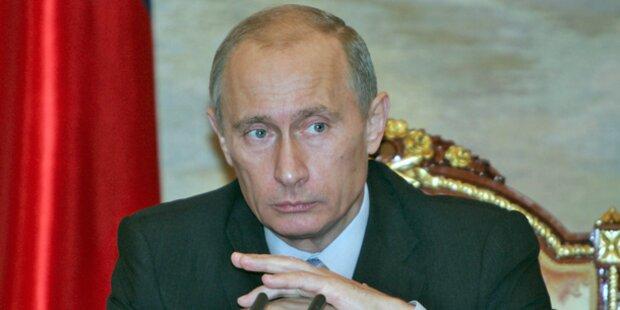 Putin gegen hartes Urteil für Pussy Riot