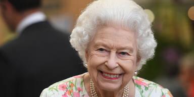 Queen scherzt beim Familienfoto am G7-Gipfel