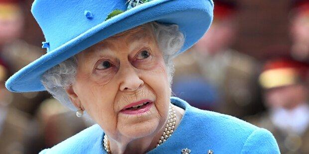 Queen feuert ihren BH-Lieferanten