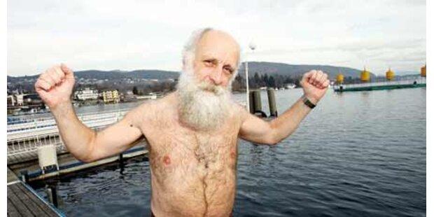 Pfarrer springt in eiskalten See