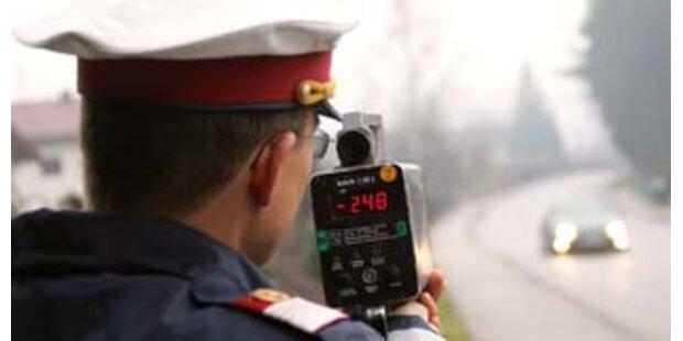 Täglich 11.500 Raser - Polizei greift durch
