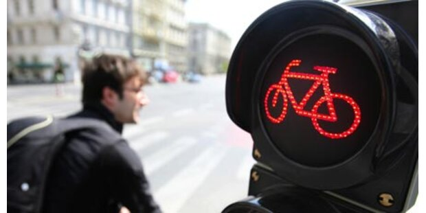 2 schwerverletzte Kids nach Rad-Unfällen