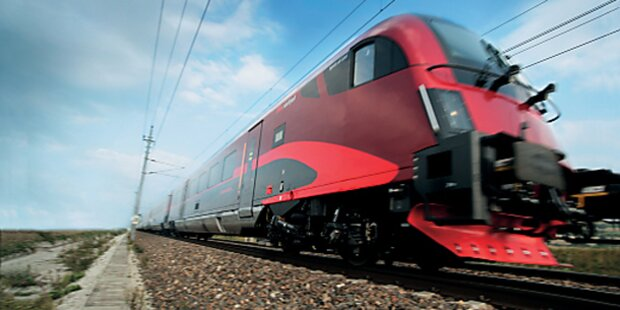 Züge fahren wieder über das deutsche Eck