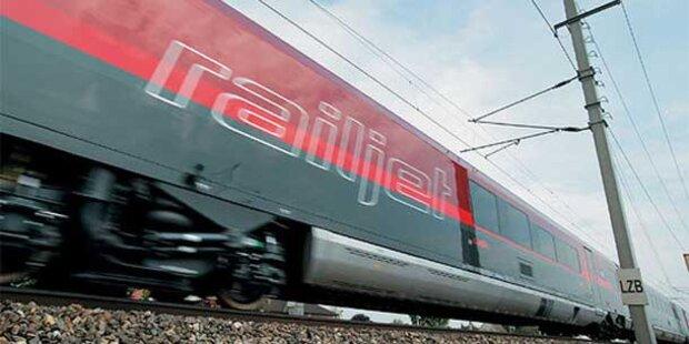 Südbahn gesperrt: Reisende saßen am Semmering fest