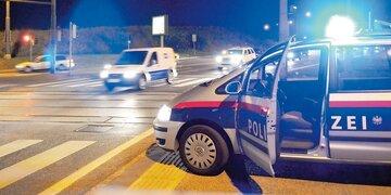 Oberösterreich: Brutale Attacke: Mann sticht auf Freundin ein