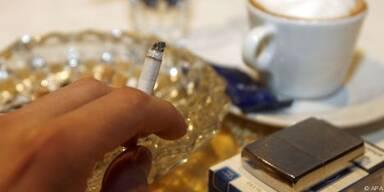 Rauchen nur noch in kleinen Lokalen erlaubt