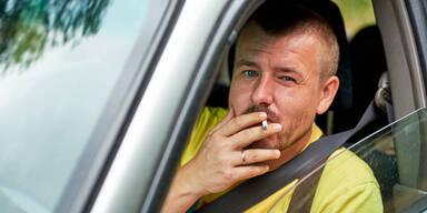 Rauchverbot im Auto: Nur Wiener werden gestraft