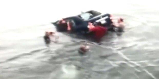 Knapp: 84-Jährige aus sinkendem Auto geholt