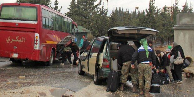 Rebellen räumten weitere Stadt nahe Damaskus