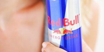 Überraschung: Bei Energydrinks: Red Bull stürzt ab