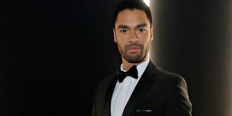 Rege-Jean Page: ''Bridgerton''-Star bald neuer ''James Bond''?
