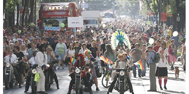 Regenbogenparade: 100.000 feiern