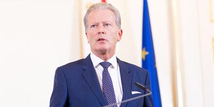 Eurofighter-Betrug: Mitterlehner skeptisch