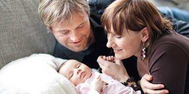 Renate Götschl Hannes Kargl Baby Lara Muttertag
