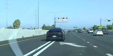 Mechaniker rast mit Kunden-Auto mit 240 km/h über Autobahn