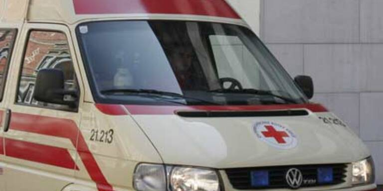 73-Jähriger von Auto überrollt