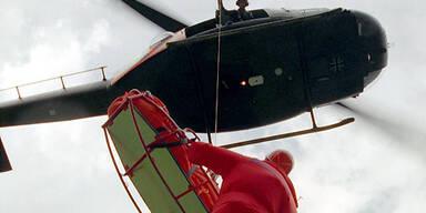 Rettungshubschauber-alpine-Bergung
