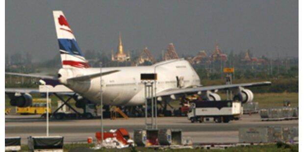 Flughafen Bangkok bis 15.12. für Passagiere zu