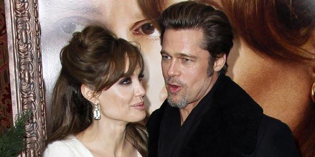 Brad & Angelina machen 'Paar-Yoga'