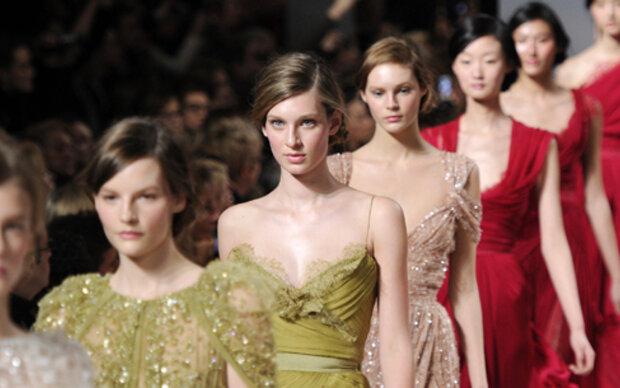Elie Saab verzaubert Pariser Modewoche
