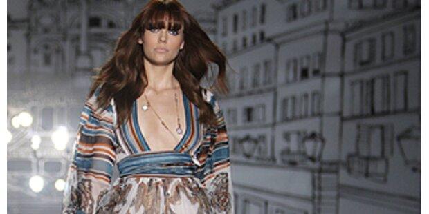 Mit 70ties Looks feierte Gucci den 70er