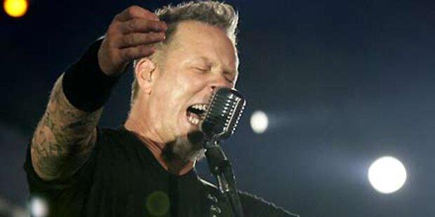 Massenfestnahmen nach Metallica-Konzert