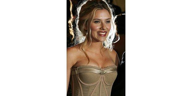 Scarlett Johannson strahlte wie ihr Verlobungsring