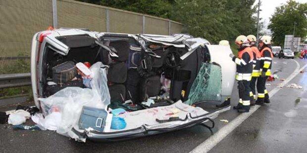Zwei Schwerverletzte  auf A14
