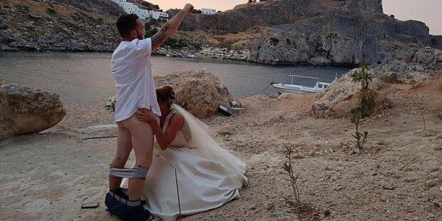 Ärger: Paar stellt Sexszene vor Kloster nach