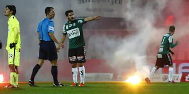 Austria-Fans sorgen für Pyro-Skandal