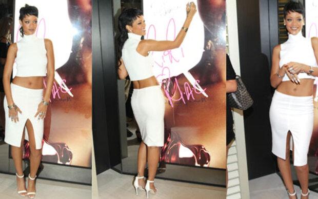 Rihanna halbnackt aber elegant